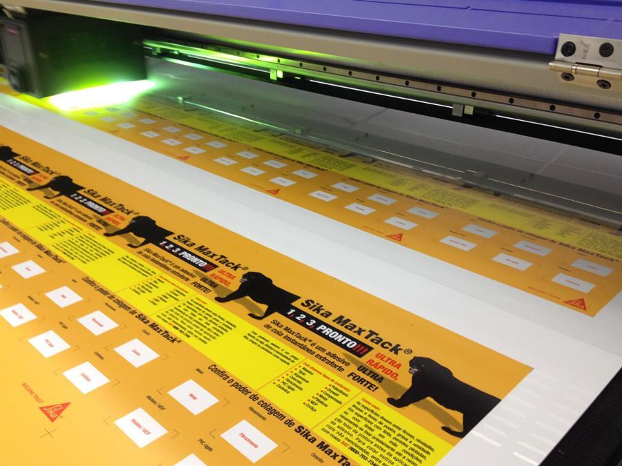 Descubra as vantagens da Impressão UV